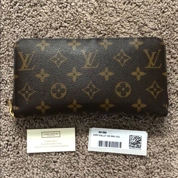 Louis Vuitton Handbags - Louis Vuitton zippy wallet
